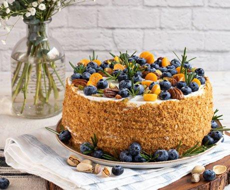 Святковий торт від ресторану DOM №10